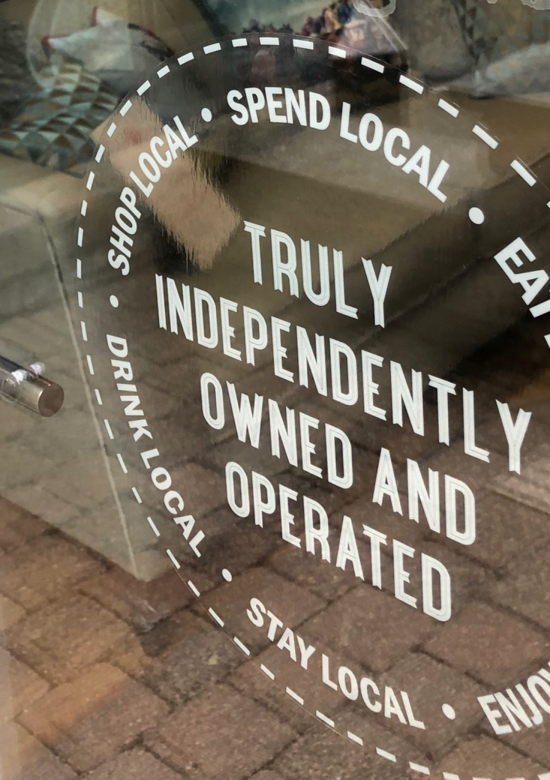Which shops are open in Wainwright's Yard?
